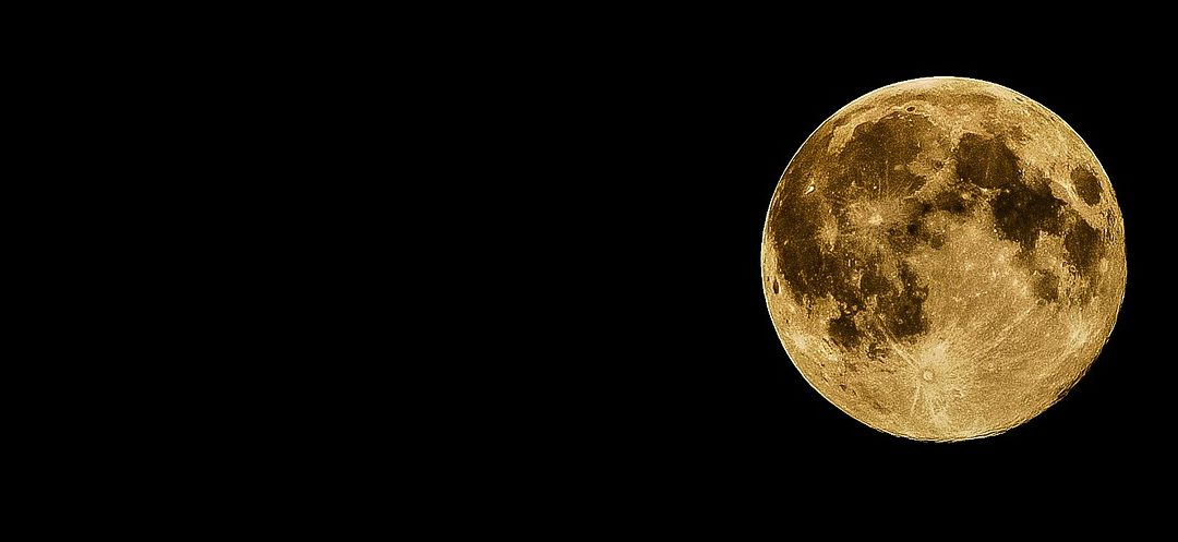 Should your period land on the full moon or the new moon to be in sync with nature?